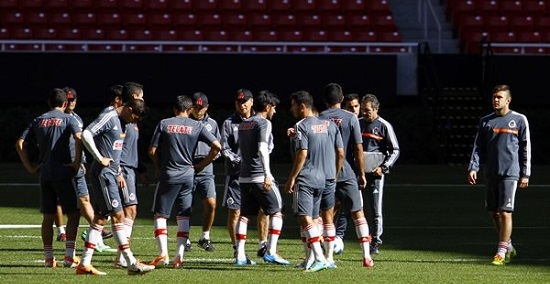 En Chivas Aspiran a Seguir con Vida en la Copa MX