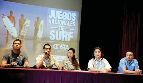 Juegos Nacionales de Surfing en la Costa Michoacana