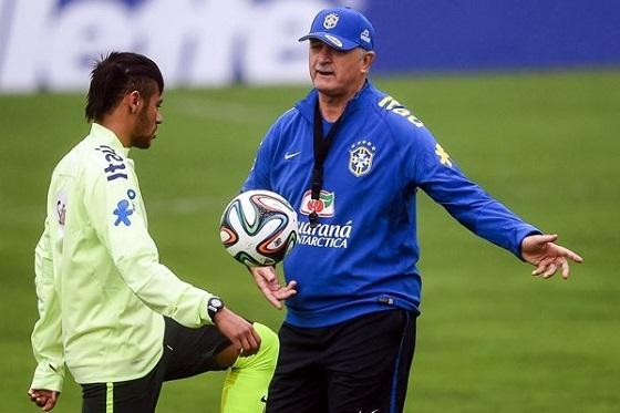 Luiz Felipe Scolari Dijo que se Conforma con que Neymar se Esfuerce
