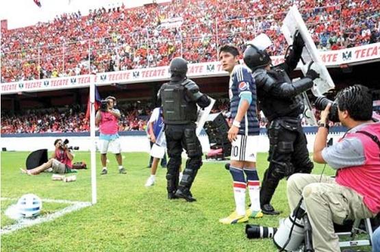 Reyna se Estaba Acomodando la Ropa: Palencia