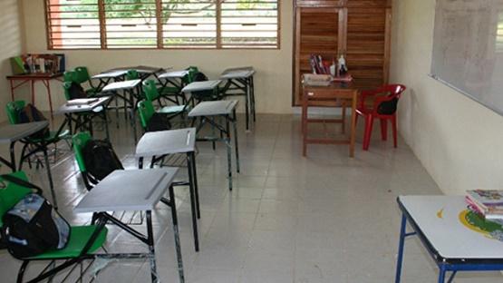 Miles de Alumnos sin Clases por Paro de la CNTE en Michoacán