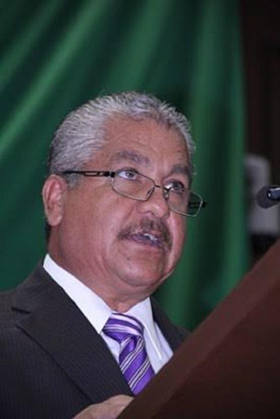 Propone Diputado Pedro del Río Reformar Ley del Ejercicio Profesional