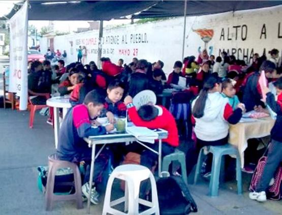 Peligran 220 Menores; Reciben Clases en la Calle