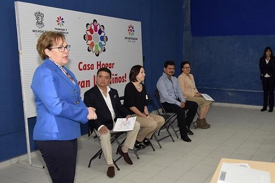 """DIF Michoacán Instala Proyectos Productivos en la Casa Hogar """"Vivan los Niños"""""""