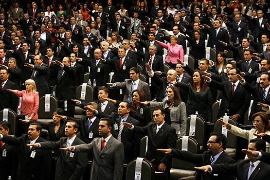 A Nuevos Diputados Federales los Espera su Tarjeta IAVE ya Pagada