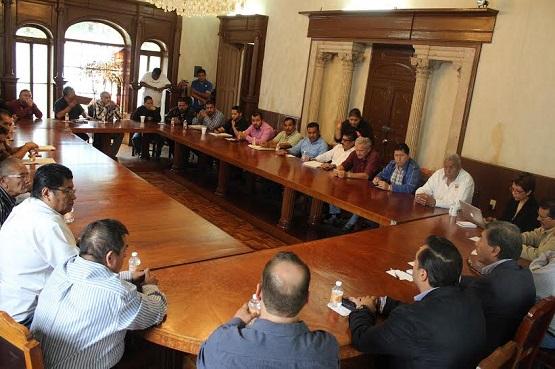Logra Gobierno del Estado Reunión Entre Transportistas Para Buscar Solución al Conflicto Entre Rutas