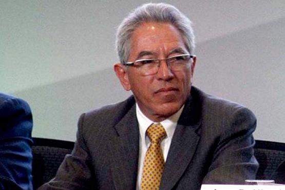 Felicita Gobernador Salvador Jara a Silvano Aureoles