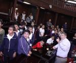 Recibe Presidente del Congreso a Niños de Escuelas Primeras Rurales