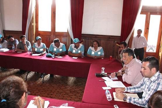 Se Reúne Presidente del Congreso con Trabajadores del Colegio de Bachilleres