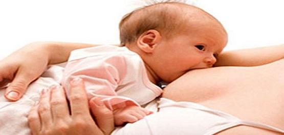 Hospital de la Mujer, Asesora a Madres Sobre la Importancia de Lactancia Materna