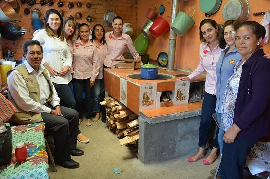 Entregan 130 Paquetes de Estufas Patsari en 13 Comunidades Rurales