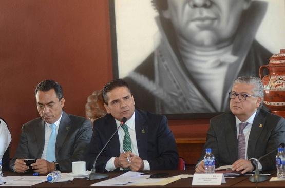 Revisa Gobernador Detalles de Firma de Mando Unico con Presidentes Municipales
