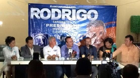 PRI Trata de Confundir con Viejas Noticias: Berber Martínez