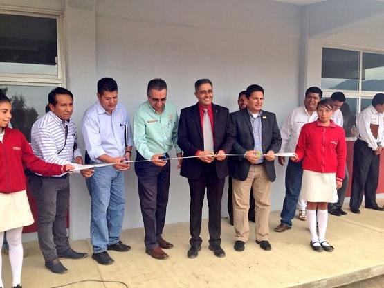 El Director General del COBAEM Inauguró 3 Aulas en el Plantel Paracho