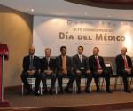 La Medicina, una Combinación de Ciencia y Arte: Salvador Jara Guerrero
