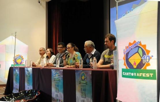 Invita Paracho a su Festival Internacional de Globos de Cantoya