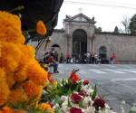 Ayuntamiento Vigilará a Comerciantes en las Inmediaciones de los Panteones