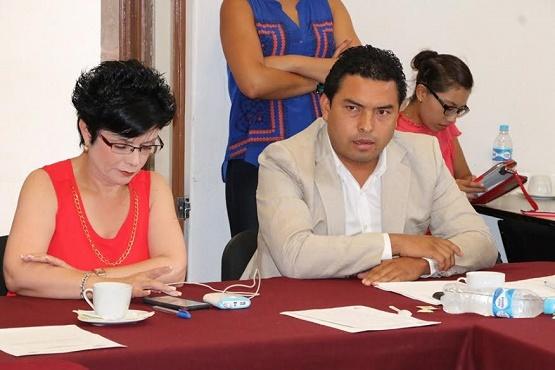 Cubiertos, Requisitos Legales y Constitucionales Para Ratificar a José Martín Godoy en la PGJE: Dip. Olivio López