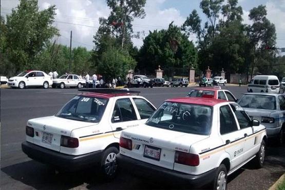 """Taxistas Exigen Alto al """"Pirataje"""" y no más Concesiones"""