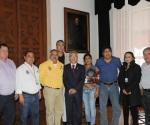 Salvador Jara Estrecha Acercamiento con los Ayuntamientos Michoacanos