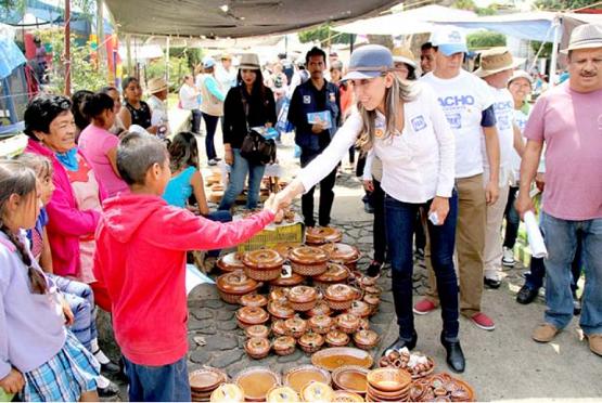 Gestionaremos los Recursos Para Construir una Nueva Ciudad Salud en el Distrito 8: Rubí Rangel