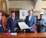 Entrega Edil de Pátzcuaro Llaves de la Ciudad al Embajador de España