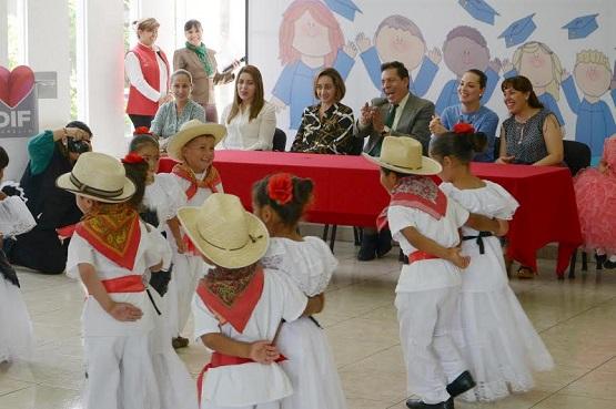 Niños de Comunidades Marginadas Acaban Estudios de Nivel Preescolar