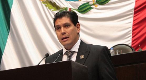 Respaldan Vecinos de la Colonia Indeco Santiaguito a Ernesto Núñez