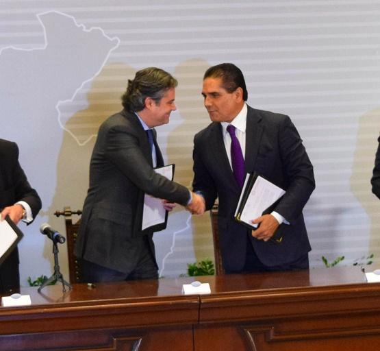 Gestiona Silvano Aureoles Ante la SEP Programa Integral de Capacitación Para los Docentes