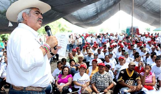 Comunicar Tzitzio con el Oriente y la Ciudad de México, Compromiso de Chon Orihuela