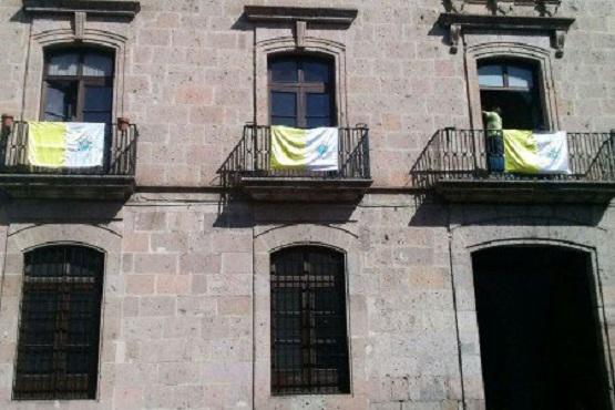 Emblema del Vaticano, ya Luce en Edificios Históricos de Morelia