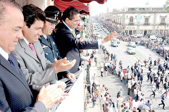 Gober Desfile