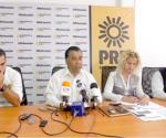 Respaldan Habitantes de Tuxpan Trabajo de Carlos Paredes