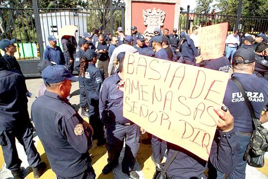 Policías Casa de Gobierno