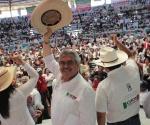 Chon Orihuela se Compromete a Mejorar Caminos en Jacona
