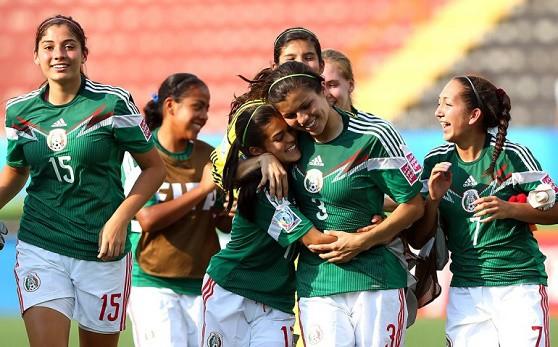 Mujeres y Fútbol... Auténtico Amor al Arte