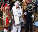 Reina Asiste al Parlamento