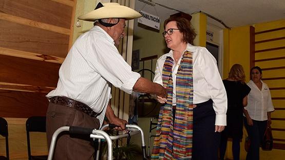 Catherine Ettinger Realiza Gira de Trabajo en Tacámbaro