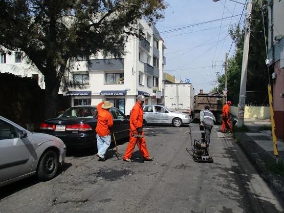 Continúan Trabajos de Bacheo en Morelia