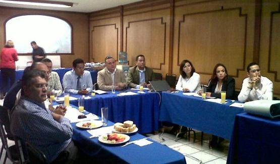 Se Reúne Andrea Villanueva con Integrantes del CEMIDE