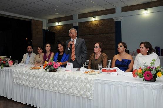 El Gobernador y la Presidenta del DIF Estatal Festejan a Quiceañeras de Casa Hogar