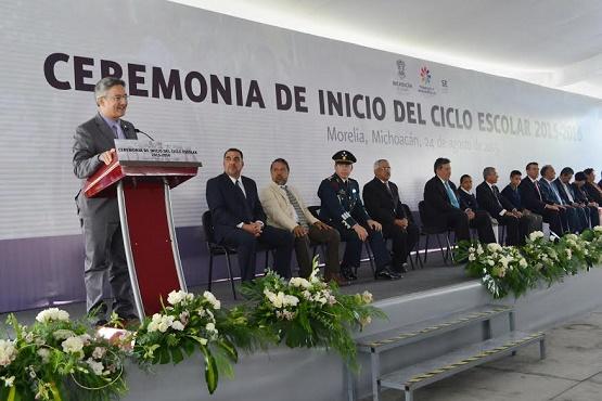 Llama Abud a una Gran Cruzada por la Educación en Michoacán