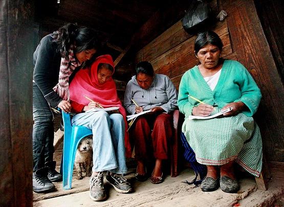De Cada 10 Analfabetas, 4 Están en Grandes Ciudades de Michoacán