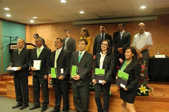 Egresa con Exito Primera Generación de Licenciaturas UNIVIM