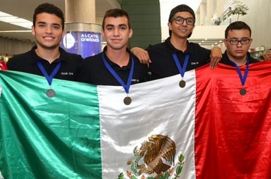 Ganan Bachilleres Nicolaitas Oro y Plata en Olimpiada Iberoamericana de Biología