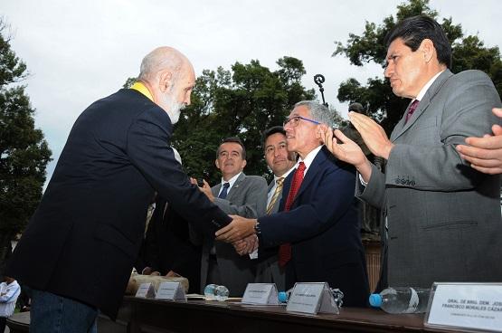 El Gobernador se Suma al Reconocimiento que Hizo el Cabildo de Pátzcuaro a Luis de Tavira