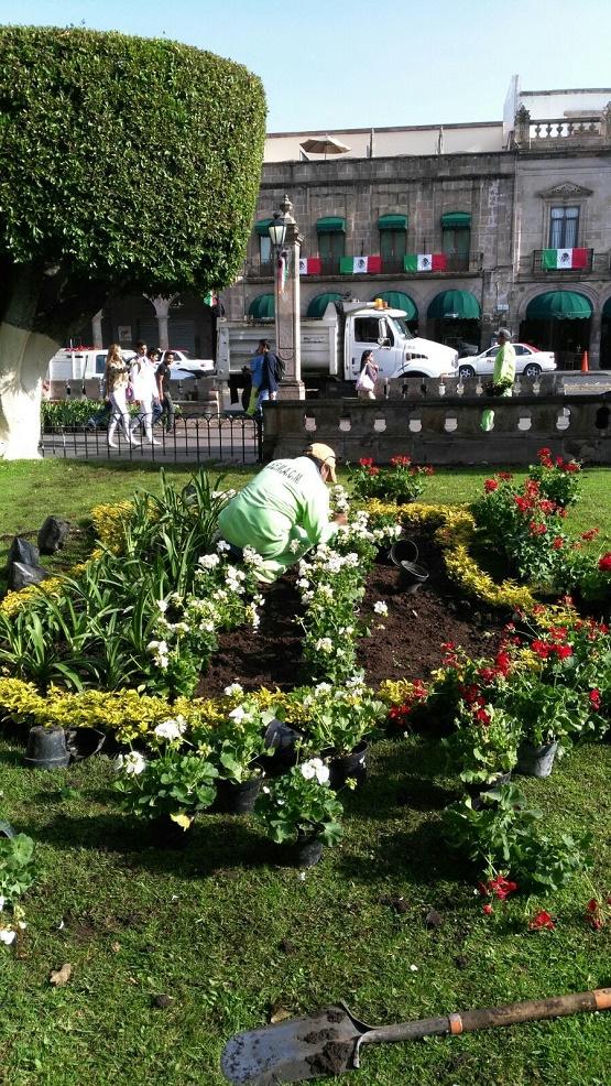 Ayuntamiento de Morelia Rehabilita Plazas Públicas Para Fiestas Patrias