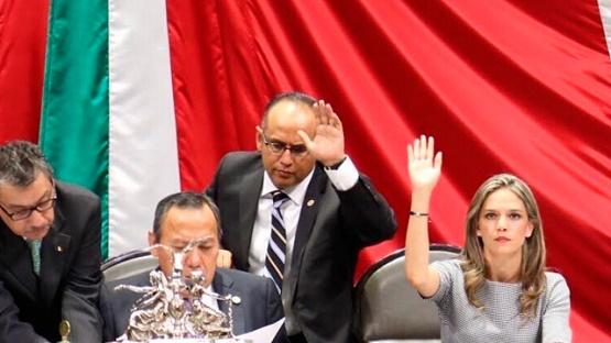 Presenta Daniela de los Santos Iniciativa de Ley General de Adopción