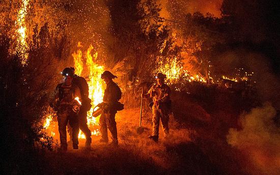 Cientos de Casas Incendiadas