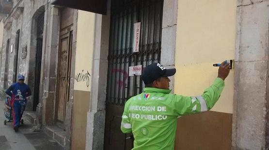 El Ayuntamiento de Morelia Borra Graffitis en Edificios Históricos